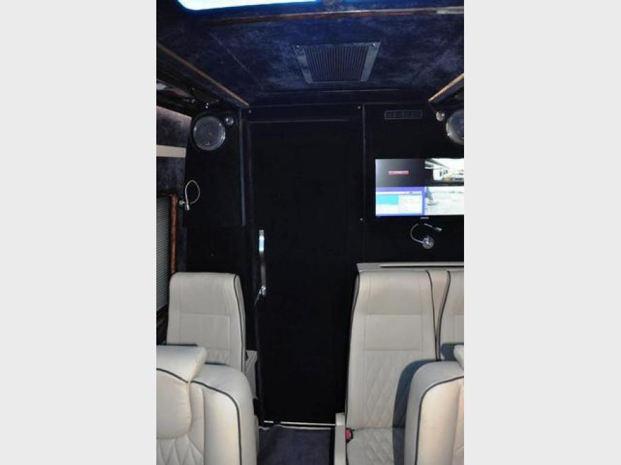 Mercedes-Benz Sprinter 324, 06