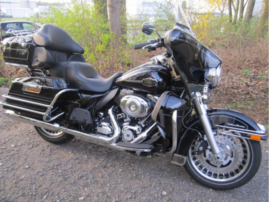 Harley-Davidson Electra Glide Ultra Classic 103, 01